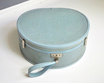 Mid-Century Royal Traveller Round Suitcase in Dusty Blue
