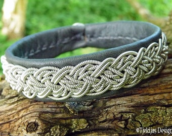 YGGDRASIL Sami Bracelet Swedish Lapland Jewelry Handmade Design Bracelet in Grey Reindeer Leather, Pewter Braid and Antler Button