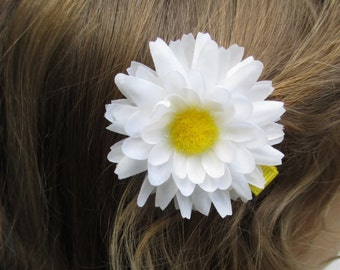 White Daisy hair clip, daisy hair accessories, multi-petal daisy, daisy flower hair barrette