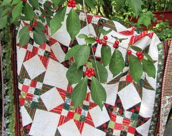 Christmas Quilt Red Green Stars Twin or Throw