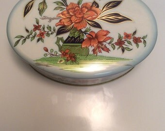 Vintage oval Daher tin, Daher designed container made in England, vintage oval floral tin, Daher oval floral tin, oval flowered tin