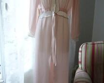 Vintage 1930s - 1940s pink silk satin bias cut robe,  Size M (8 US)