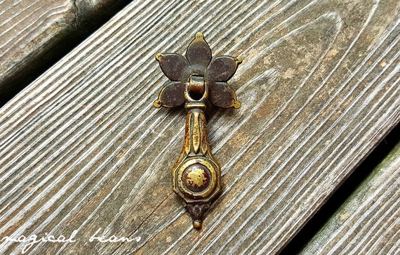KBC Teardrop Dresser Pull Antique Drawer Pulls Antique Pendant Pull  Antiqued Brass Drawer Pulls Decorative Drawer Pull Handles Cabinet Pulls  From ...