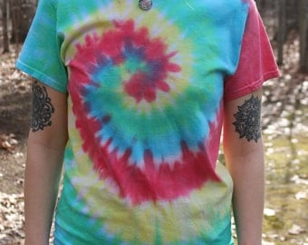 FREE SHIPPING Tie Dye Shirt - Short Sleeve - Rainbow Spiral - 100% Cotton