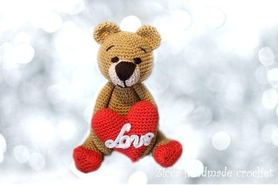 Amigurumi To Go Valentine Bear : Amigurumi Valentine Bear pdf pattern