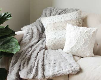 Faux Fur Pillow Cover | Snow Leopard Cushion Cover | Decorative Throw Pillow | Pillow Case Sham {Faux Fur Cushion Cover}