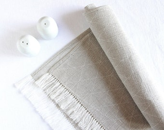 Fringed linen table runner - Scandinavian style modern - handmade by Linenspace - Christmas table decorations - chemin de table lin | 0053