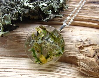 Forest Necklace, Resin Terrarium Necklace, Lichen Terrarium, Moss Necklace, Nature inspired jewelry, Botanical jewelry, Fairy Necklace