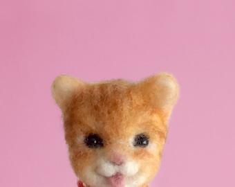 Needle Felted Sculptures - Lovely Kitten - Miniature Wool Felt Cat