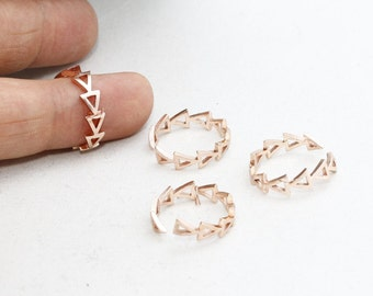 Rose Gold Triangle Ring, 17-18mm Chevron Ring , Triangle Rings , Triangle Jewelry , Adjustable Ring , LA , ROSE103