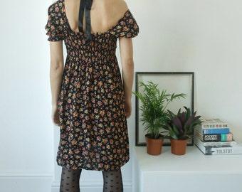 90s vintage dress/baby doll dress/ mini dress/flower dress/ short sleeves/black dress