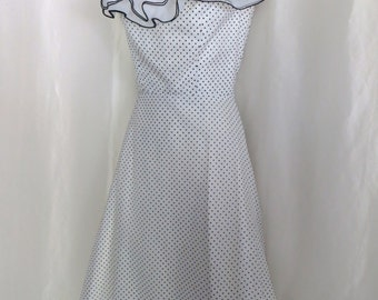 Vintage 70s womens dress, maxi dress, gown, formal fancy dress, Scarlett Ohara costume, black white swiss polka dot ruffle dress