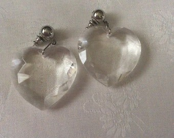Clear heart shaped hang earrings 46E