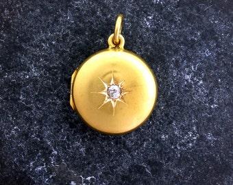 Edwardian Locket. 15ct gold, Diamond set, round locket.