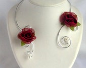 collier romantique parure roses rouges soiree chic et glamour/ necklace evening party/necklace celebrates christmas