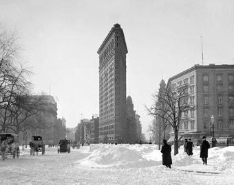 Flatiron Building Winter Scene, 1905. Vintage Photo Digital Download. Black & White Photograph. Snow, Storm, Nature, New York, Historical.