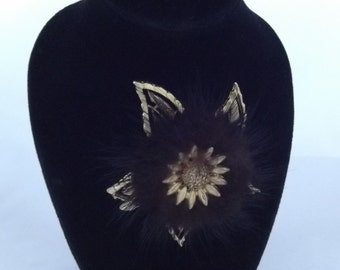 Elegant Sunflower Vintage Brooch.