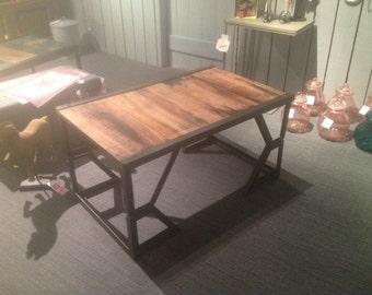 Coffee table industrial style palette sncf