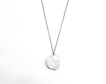 Raw quartz crystal necklace, raw quartz pendant, raw crystal jewelry | Antique gold chain