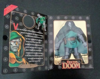 Doctor Doom Toybiz Famous Covers Action Figure