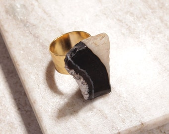 Agate Quartz Slice Adjustable Gold Ring - Unique no two are alike agate slice ring over adjustable hammered gold ring band