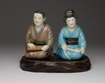 Good quality antique Japanese porcelain salt and pepper cruet