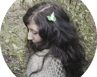 Ivy leaf hair clip