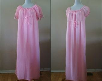 Pink Chiffon Vintage 1960's Full Length Peignoir Set with Flower Embroidery Short Sleeves Size Large - BT-514
