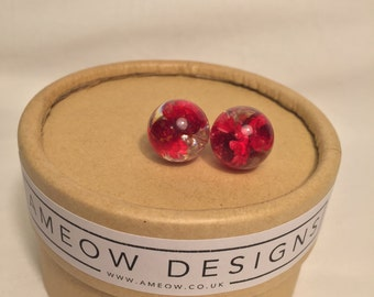 Red flower, resin earring, resin jewellery, stud earrings,  red daisy, real, flower, botanical, nature lover, terrarium, wedding, bride.