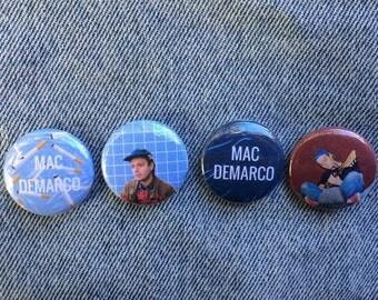 Mac DeMarco pin back buttons