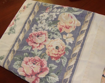 Shabby Chic Twin bed Sheet/Cabbage Roses/Vintage
