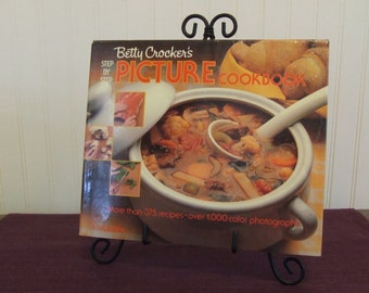 Betty Crocker's Step by Step Picture Cookbook, Vintage Cookbook, 1983