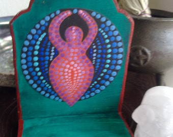 Mother Goddess SHRINE, LITTLE ALTAR,small altar space,Pagan Decor,Salem Raven,much energy