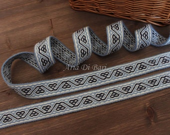Tablet woven trim, Bertille de Chelles pattern, tablet weaving, viking medieval, reenactment, sca, larp