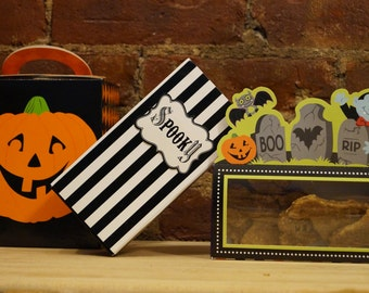 Halloween Dog Treat Gift Boxes - Healthy Dog Treats - Organic and Vegan Dog Treats - All Natural Dog Treats