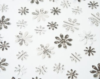 200pk - Black and White Daisies Table Confetti/ Card Making/ Scrapbooking Embellishments