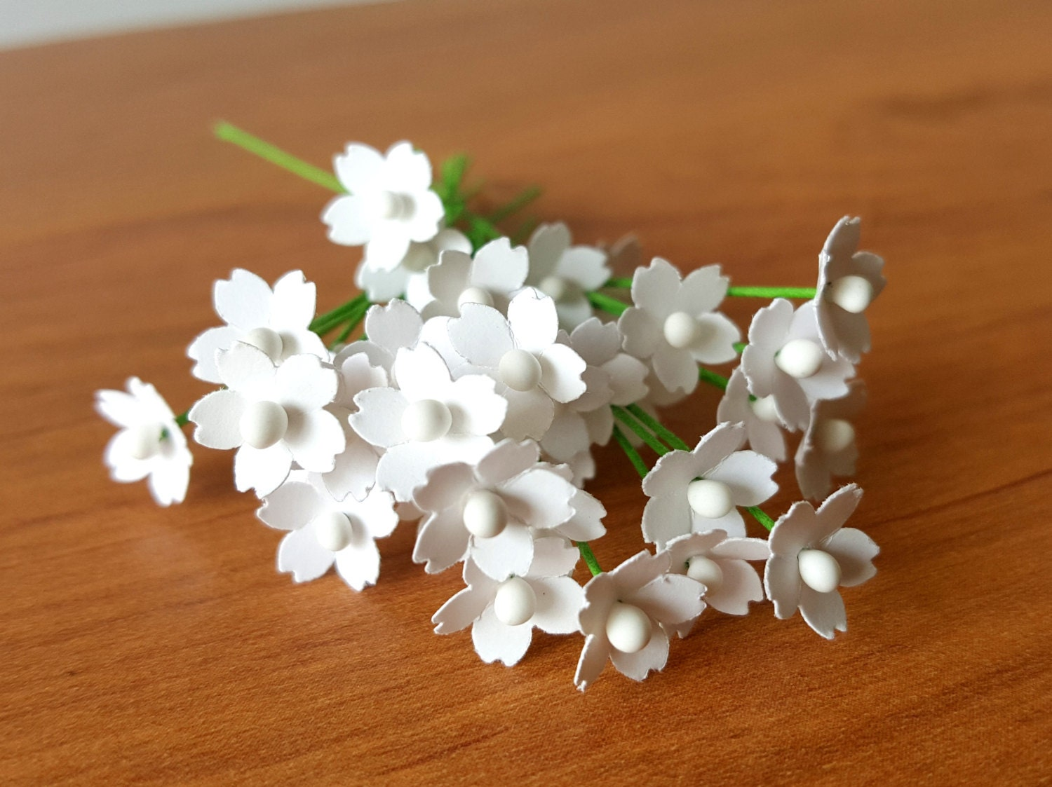 100 Miniature White Paper Flowers / 5mm white flowers