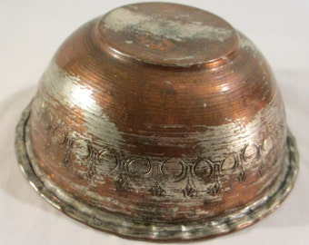 Vintage Hand Hammered Copper Bowl from Turkey