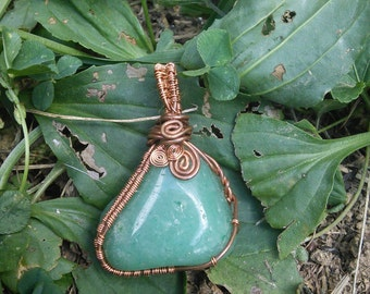 Green Crystal Pendant Wire Wrapped in Copper