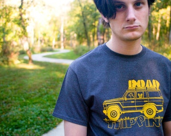 ROAD TRIPPING Hand-Screen Printed T-Shirt in Dark Heather Gray & Yellow