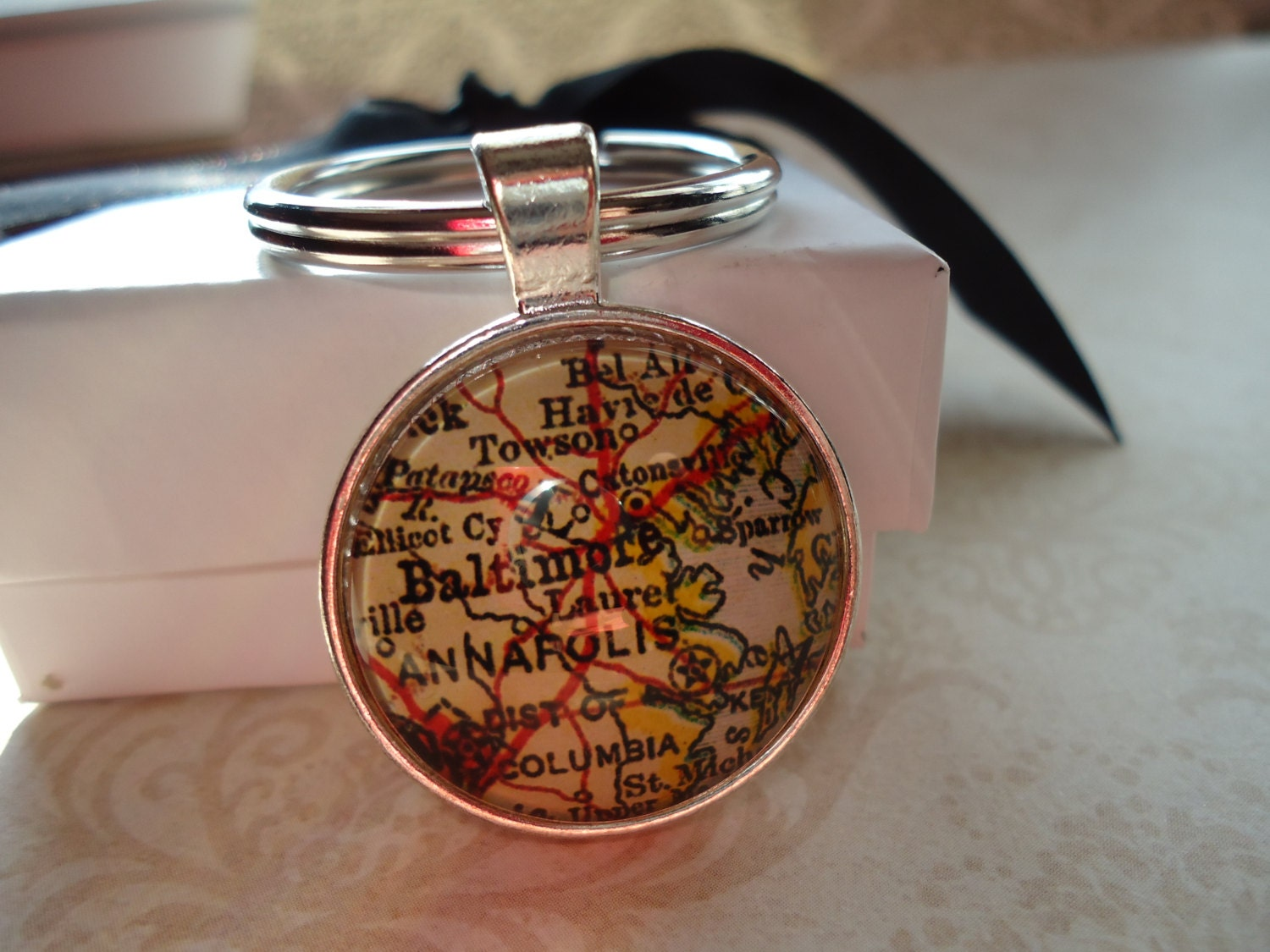 Keychains Lanyards Circuit Board Glass Pendant Photo Necklace Keychain Baltimore Maryland Map Souvenir Silver Round Annapolis