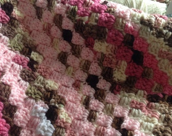 Baby Blanket: Loads of Pink