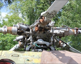 24x36 Poster . Mil Mi-8 Russian Soviet Helicopter Rotor Hub