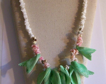 Dyed Shell Necklace Green Leaves Vintage Summer Beach Boho Jewelry