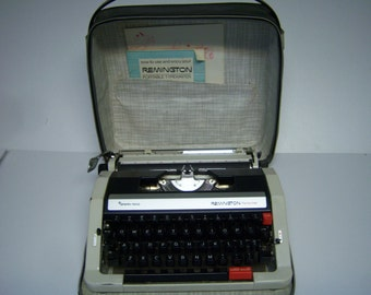 Vintage Remington Typewriter, Sperry Rand, Manual, Portable, In Carrying Case, Performer, Cream Colored, Use Or Display, As Found