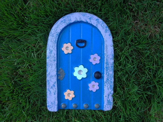 Fairy door concrete fairy door fairy garden accessories for Elf door accessories