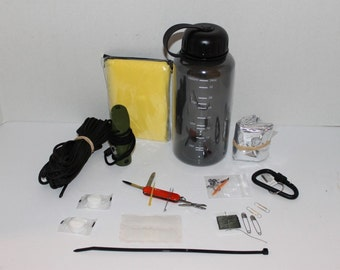 Water Bottle, Survival Kit, Emergency Kit, Water Bottle Survival Kit with Compass, Knife, Whistle, Water Bottle, Carabiner, Survival kit