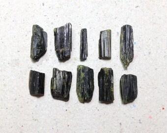 Raw tourmaline, rough tourmaline lot // B*1827