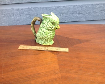 Vintage trinket green bird