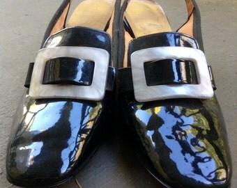 Mod Black Patent Witchy Slingback Heels Size 9